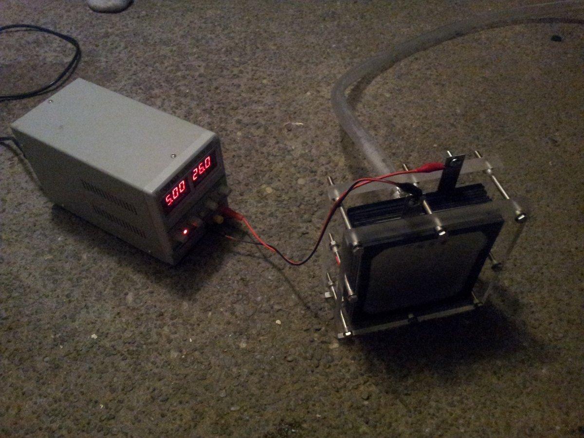 Fuel cell running at night