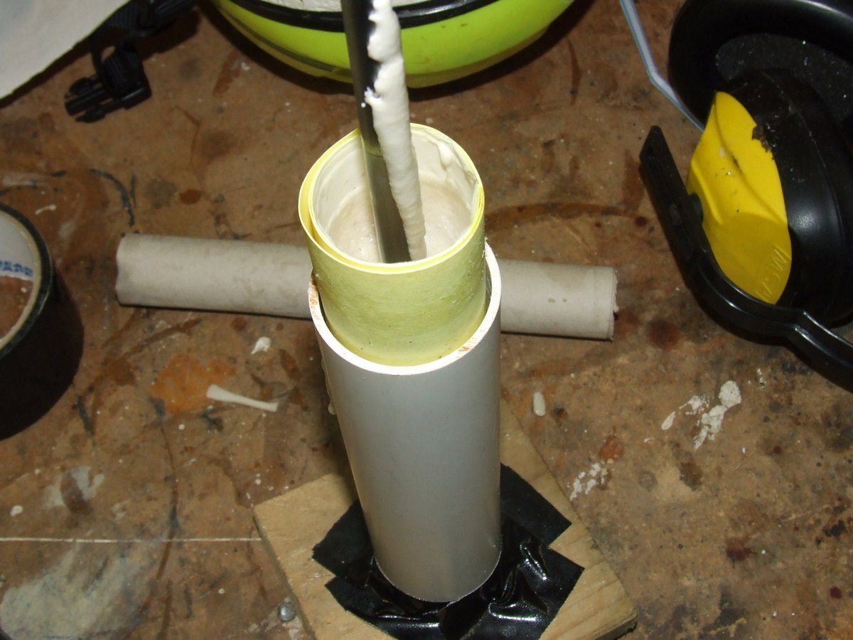 15 knsu propellant in mould