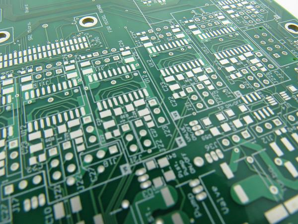 Example of an immersion silver (IAg) PCB finish. Image from http://www.rlcinnovation.com/.